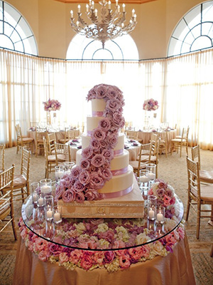 glass-cake-table-2