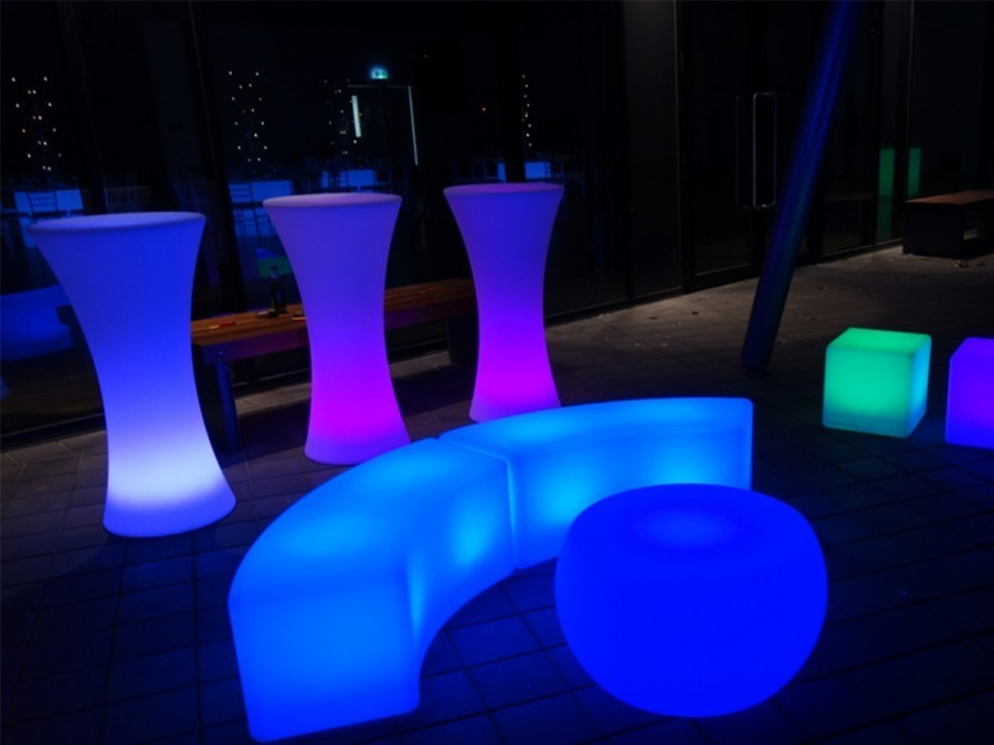 Party gallery events by keisha for Cocktail tables led