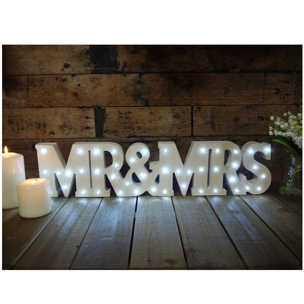 Mr-and-Mrs-Sign
